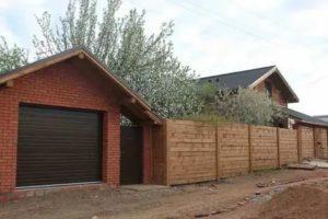 Можно ли делать стену гаража забором