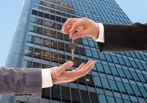 Можно ли жить в коммерческой недвижимости